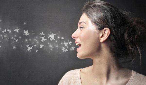 Αποτέλεσμα εικόνας για Ποιες είναι οι τροφές που προκαλούν δυσάρεστη αναπνοη
